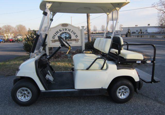2004 Yamaha Gas 4 passenger Golf Cart