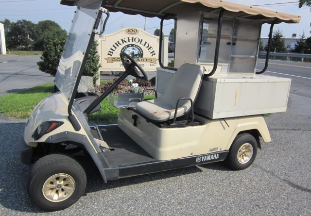 Yamaha gas beverage cart    SELLING AS-IS